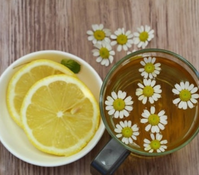 Отвар ромашки и лимон