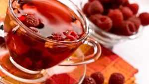 chai s malinovim vareniem